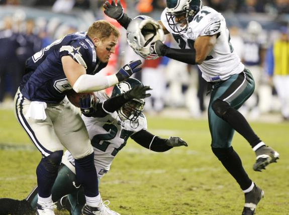 Dallas Cowboys and Philadelphia Eagles rivalry - Witten TD without helmet - The Boys Are Back blog