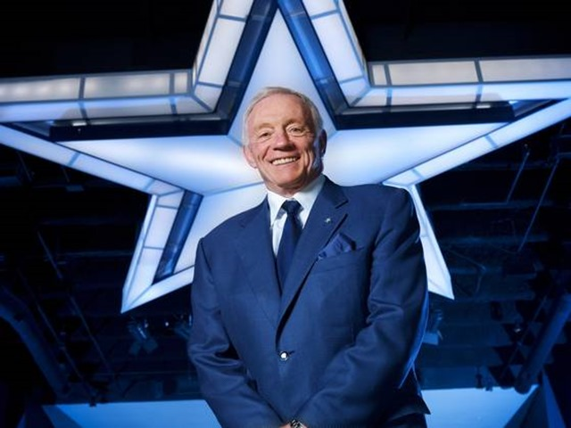 Dallas Cowboys owner Jerry Jones under the star - The Boys Are Back blog