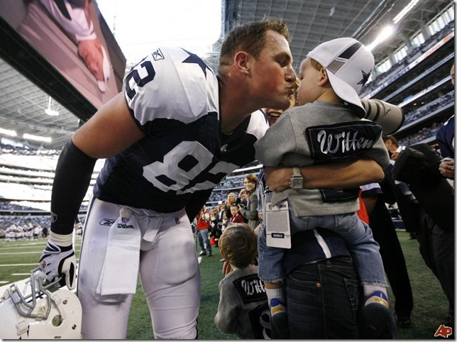 Dallas Cowboys tight end Jason Witten and son - The Boys Are Back blog