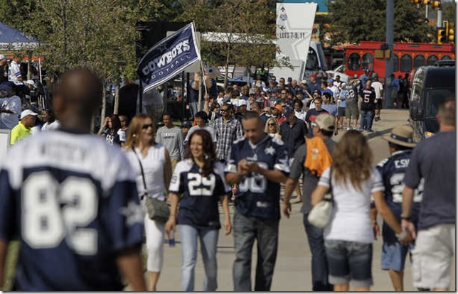 Fans head to Cowboys Stadium - The Boys Are Back blog
