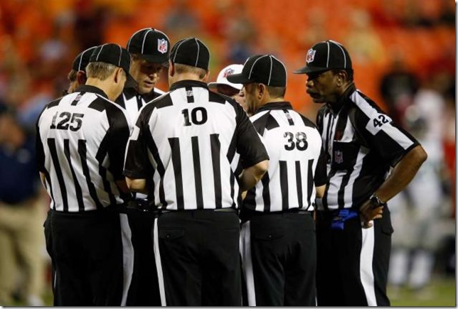 Replacements continue to run NFL games as talks between NFL and regulars refs stall - The Boys Are Back blog