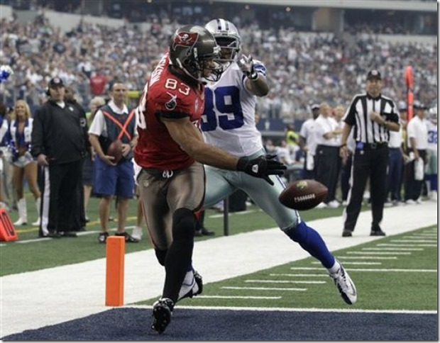 Tampa Bay Buccaneers WR Vincent Jackson (83) is unable to grab a touchdown pass as Dallas Cowboys CB Brandon Carr (39) defends - The Boys Are Back blog