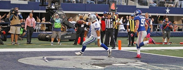 Tony Romo got past Chase Blackburn to score - The Boys Are Back blog