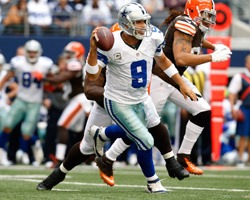 Dallas Cowboys QB Tony Romo on the run vs Cleveland Browns 2012 - The Boys Are Back blog