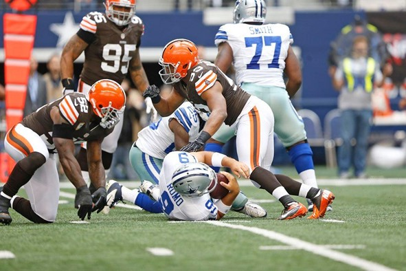 Dallas Cowboys QB Tony Romo sacked seven times vs Cleveland Browns - The Boys Are Back blog