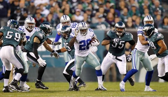 Dallas Cowboys running back Felix Jones (28) breaks through the Philadelphia Eagles defense - The Boys Are Back blog