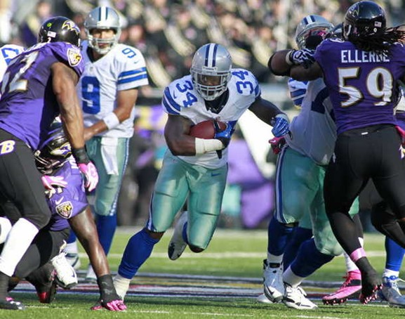 Dallas Cowboys running back Phillip Tanner, center, found some holes in the Baltimore defense and is ready to carry the load against the Giants on Sunday - The Boys Are Back blog