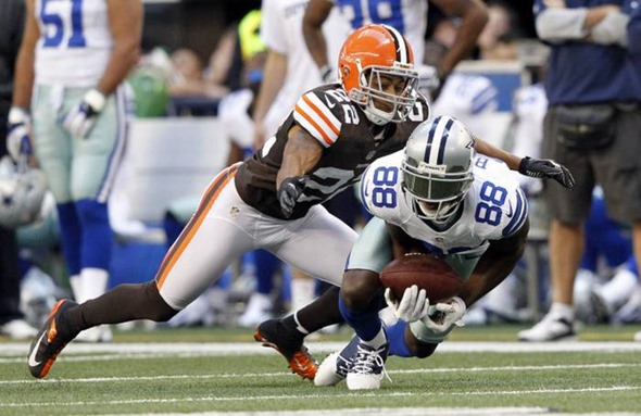 Dallas Cowboys wide receiver Dez Bryant (88) catches a pass in front of Cleveland Browns cornerback Buster Skrine - The Boys Are Back blog