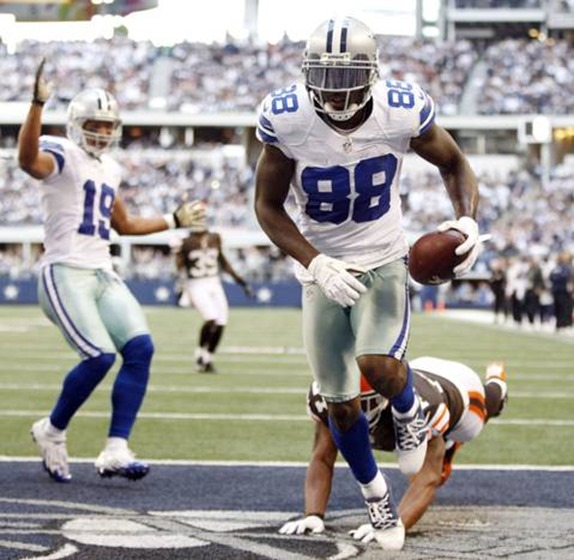 Dallas Cowboys wide receiver Dez Bryant (88) catches a touchdown pass vs Cleveland Browns 2012 - The Boys Are Back blog