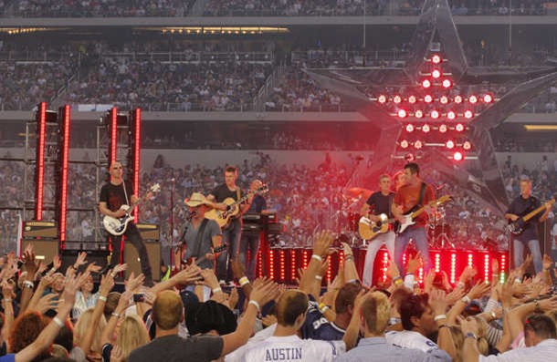 Kenny Chesney perfumes at halftime of the Washington Redskins against the Dallas Cowboys - The Boys Are Back blog