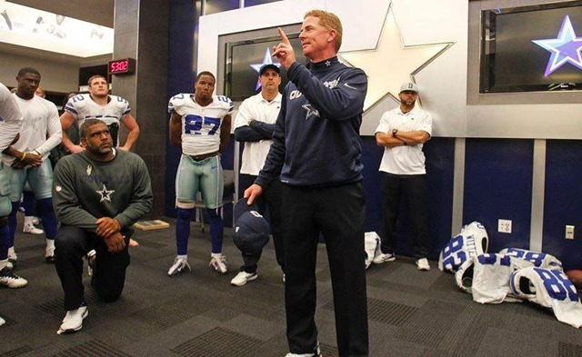 Dallas Cowboys coach Jason Garrett speaks to team in locker room after Cleveland Browns game - The Boys Are Back blog