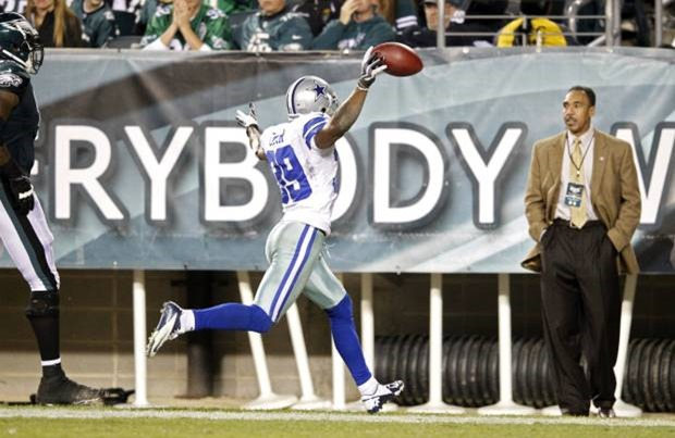 Dallas Cowboys cornerback Brandon Carr (39) scores a touchdown off an interception - The Boys Are Back blog