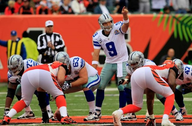 Dallas Cowboys quarterback Tony Romo (9) calls a play vs Bengals 2012 - The Boys Are Back blog