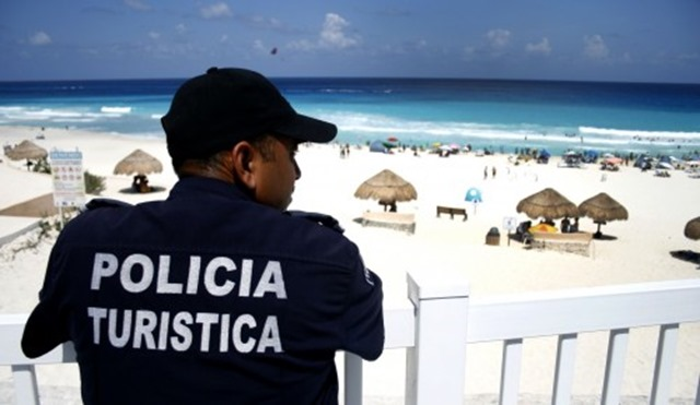 Policia Turistica - Mexico - The Great Robbini - The Boys Are Back blog