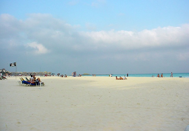 The Great Robbini - Playa del Carmen beach in Mexico - The Boys Are Back blog