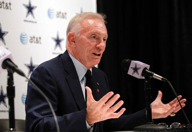 Dallas Cowboys owner Jerry Jones talks with reporters about the drafting of USC tackle Tyron Smith - The Boys Are Back blog