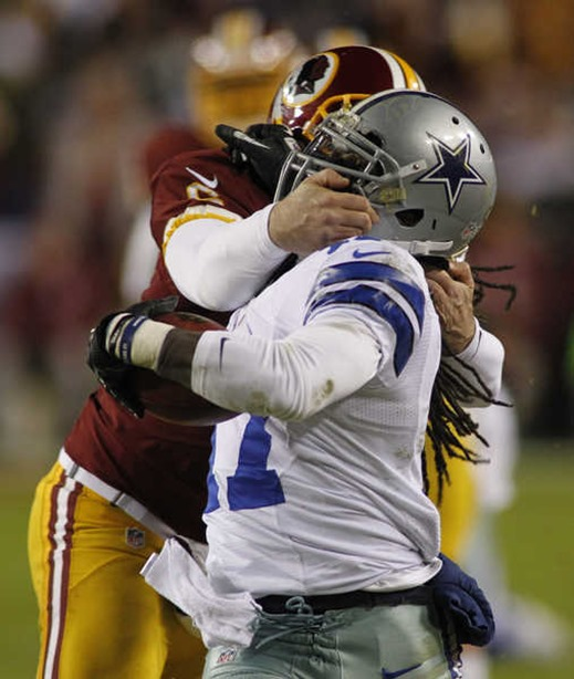 Washington Redskins punter Sav Rocca (6) grabs Dallas Cowboys wide receiver Dwayne Harris (17) by the face mask 1 - The Boys Are Back blog