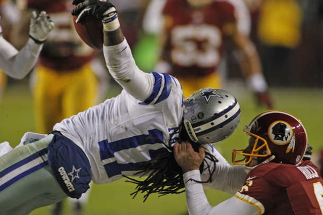 Washington Redskins punter Sav Rocca (6) grabs Dallas Cowboys wide receiver Dwayne Harris (17) by the face mask 3 - The Boys Are Back blog