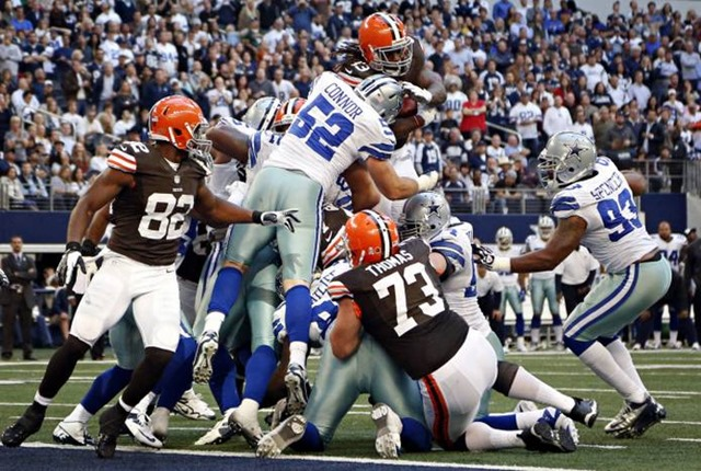 dallas cowboys linebacker dan connor (52) stops a touchdown attempt by cleveland browns running back trent richardson - the boys are back blog