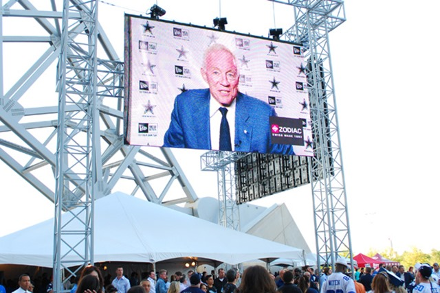 Dallas Cowboys owner Jerry Jones talks to the crowd at the Cowboys Draft Day Party