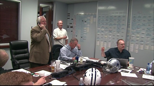 FLASHBACK 2010 NFL DRAFT - Take a look at a REAL Dallas Cowboys draft board - Board 1