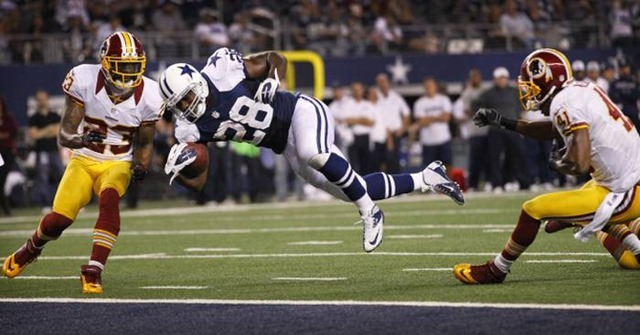 dallas cowboys running back felix jones (28) dives for the end zone vs washington redskins - the boys are back blog