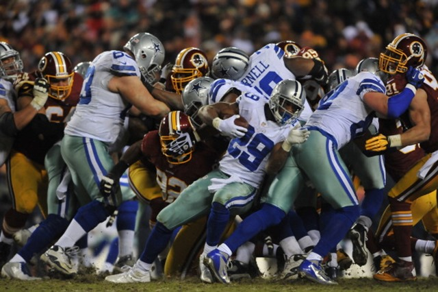 Dallas Cowboys running back RB DeMarco Murray is able to twist and bounce out of most situations for a long gain - The Boys Are Back blog 2013