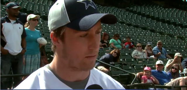 VIDEO - Sean Lee one-on-one interview in 2013-2014 offseason - The Boys Are Back blog