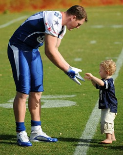 jason-witten-82-and-son-cj-witten-2 - happy fathers day - the boys are back blog 2013