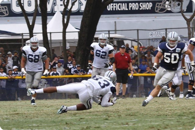 2013 TRAINING CAMP REPORT - Dallas Cowboys get taste of real football with Blue & White scrimmage - Williams catch