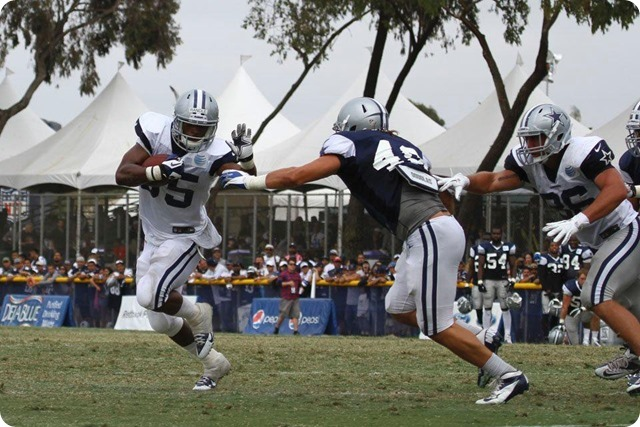 2013 TRAINING CAMP REPORT - Dallas Cowboys get taste of real football with Blue & White scrimmage - Wilcox