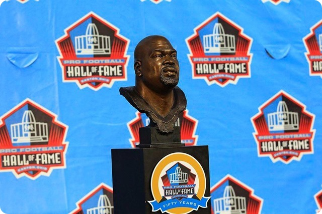 Bust of Dallas Cowboys offensive lineman Larry Allen - Pro Football Hall of Fame - The Boys Are Back blog 2013