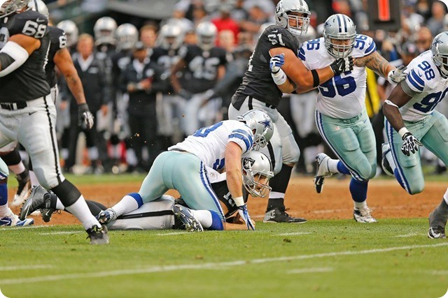 Dallas Cowboys LB Sean Lee already in game form, sacks Oakland Raiders QB - The Boys Are Back blog 2013