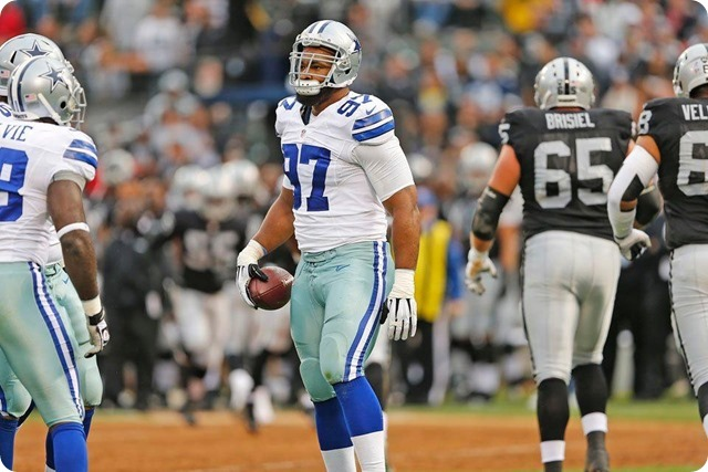 PRESEASON GAME 2 WRAP-UP - Texas 2 lineman Jason Hatcher recovers fumble vs Oakland Raiders