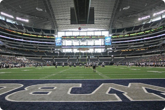 SILVER AND BLUE DEBUT - Dallas Cowboys take in AT&T Stadium aura at homecoming