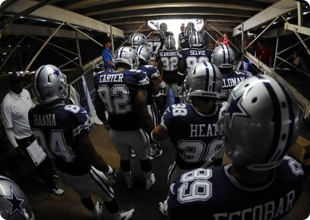 2013-2014 Dallas Cowboys players in the tunnel prior to the game against the San Diego Chargers