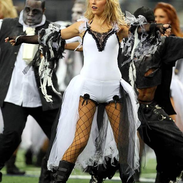 happy-halloween-dallas-cowboys-cheerleaders