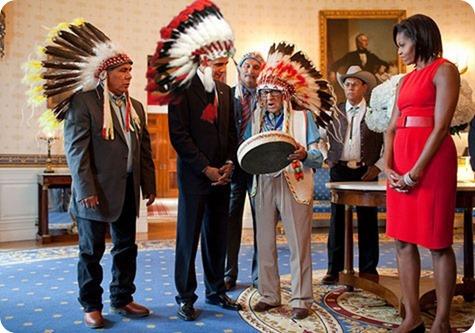 obama-indians-feathers