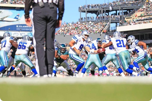 TEXAS 2 DEFENSE CLIPS EAGLES - Game 7 Recap–Dallas Cowboys perched atop NFC East division - Dallas Cowboys running back Joe Randle leads rushing attack