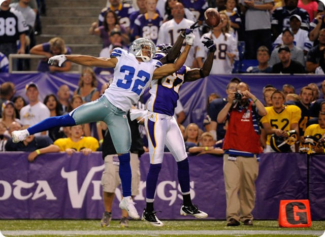 TEXAS-2 DEFENSIVE GAME BALL - Dallas Cowboys cornerback Orlando Scandrick continues to shine in 2013
