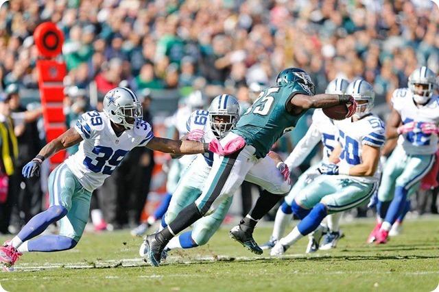 TEXAS 2 DEFENSE CLIPS EAGLES - Game 7 Recap–Dallas Cowboys perched atop NFC East division - Dallas Cowboys defense shuts down Philadelphia running game