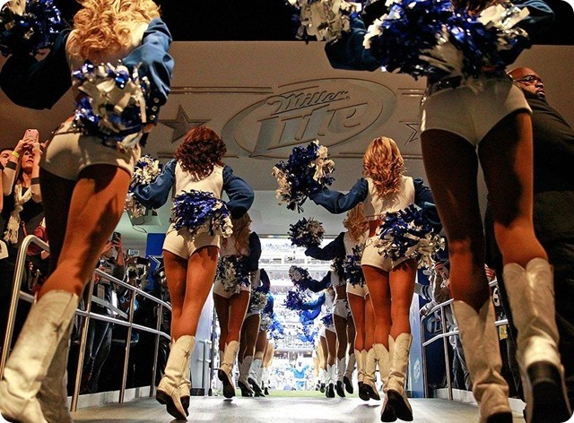 The Dallas Cowboys Cheerleaders performed their annual Christmas Special during halftime - 2013 2014 Dallas Cowboys cheerleaders - The Boys Are Back website 1
