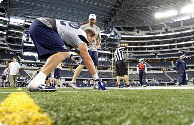 Wes Phillips coaching tight ends for the Dallas Cowboys - The Boys Are Back blog 2014