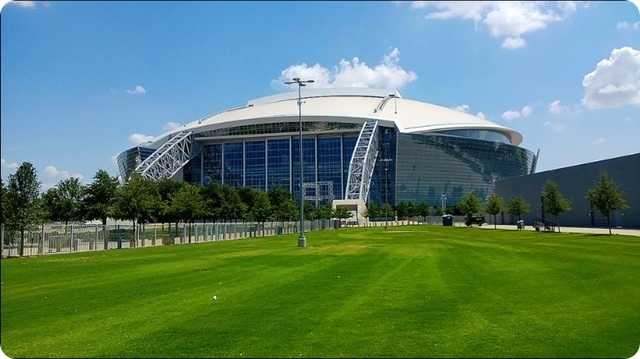 Dallas Cowboys AT&T Stadium - Plush lawn - Arlington, TX - 2014