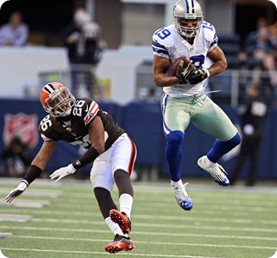 dallas cowboys wide receiver miles austin (19) jumps above cleveland browns cornerback trevin wade for a first down reception - the boys are back blog