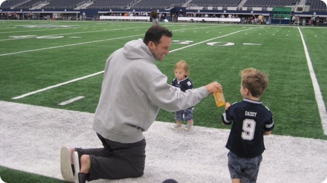 THE PULSE OF AMERICA'S TEAM - Family Day followed by Fathers Day - Superhero dad Tony Romo super-charged - Dallas Cowboys family focused - 2015 minicamp wrap-up